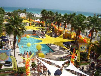 OUTDOOR006-YEORPoolParty-Aerial_1.jpg